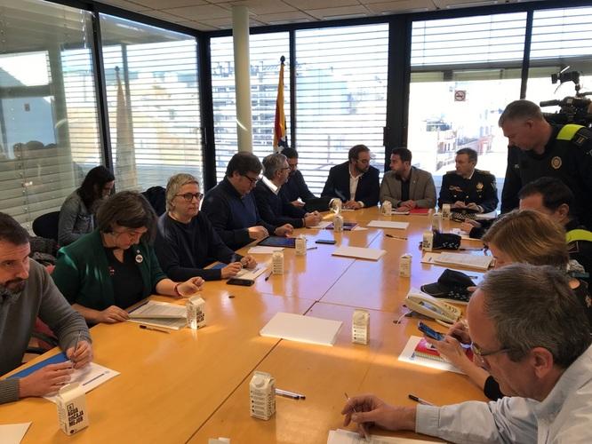 L'Ajuntament de Badalona i la Generalitat elaboraran un protocol d'actuació per definir les necessitats de les famílies afectades per l'incendi d'ahir a Sant Roc i fer un treball personalitzat amb cadascuna d'elles