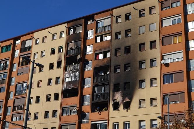 La Generalitat ha ofert a l'Ajuntament de Badalona set pisos per reallotjar afectats per l'incendi de Sant Roc