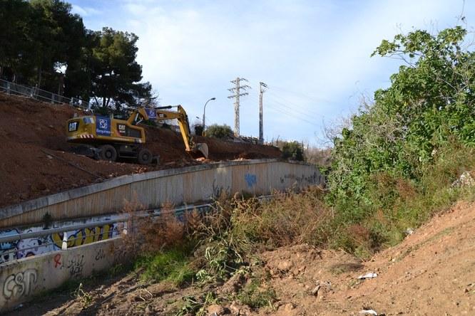 Les obres que es fan a la part baixa del Torrent de la Font milloraran la connexió per als vianants entre els barris de Bufalà i Morera