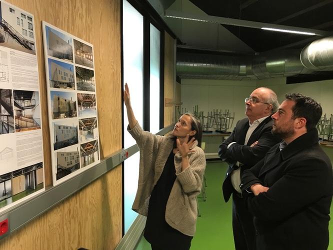 """El conseller d'Educació visita l'Institut La Llauna de Badalona i referma la voluntat de """"tirar endavant els projectes compromesos a la ciutat"""""""