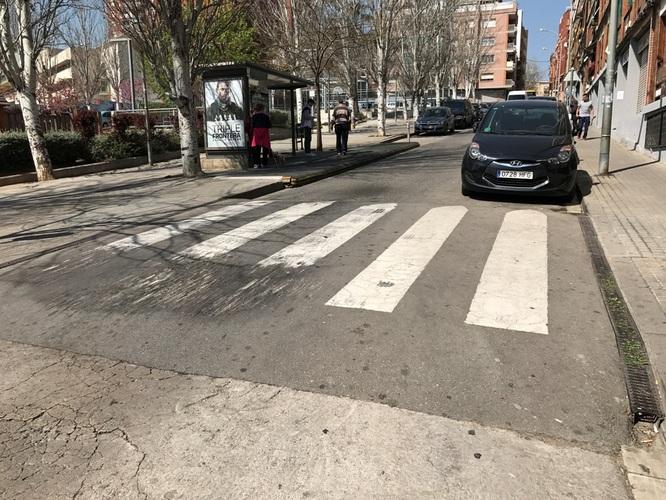 Demà dimarts comencen les obres de reparació del pas elevat del carrer de Ramiro de Maeztu, cantonada amb el carrer d'Europa, al barri de Llefià