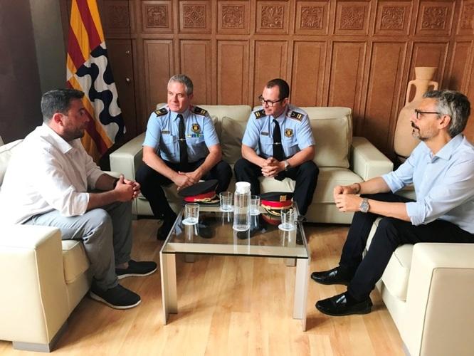 L'alcalde de Badalona es reuneix amb el cap de la Regió Policial Metropolitana Nord dels Mossos d'Esquadra i el nou cap de la comissaria a Badalona