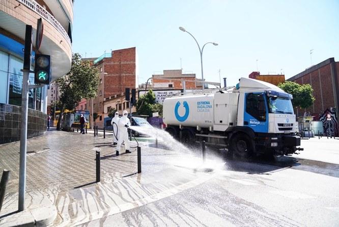 L'Ajuntament de Badalona inicia una campanya de neteja i desinfecció de la via pública en tots els barris de la ciutat