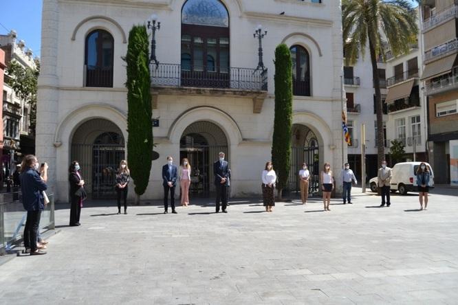 Badalona recorda amb un minut de silenci a les víctimes de la pandèmia de la COVID-19