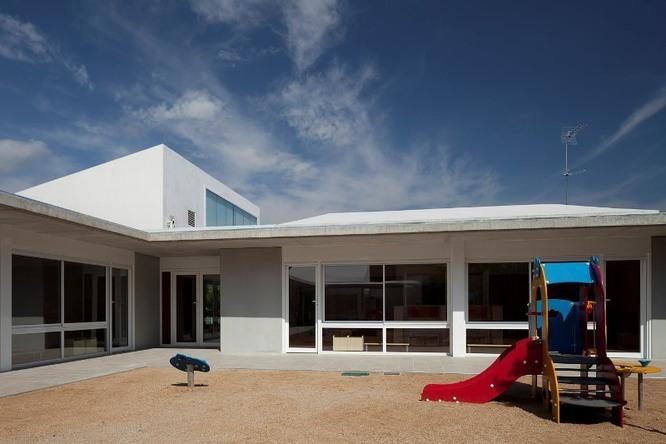 Dilluns reobren les cinc escoles bressol municipals de Badalona