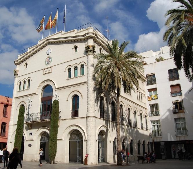 Badalona s'adhereix a la Moció de l'Associació Catalana de Municipis i de la Federació de Municipis de Catalunya en contra de donar els diners del romanent de la tresoreria municipal al Govern de l'Estat