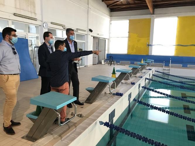 L'alcalde planteja la construcció d'una nova piscina municipal per a respondre a les necessitats dels veïns i dels clubs esportius de Badalona