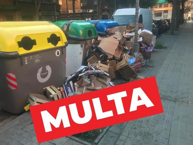 L'Ajuntament instrueix un expedient sancionador a un veí i un comerç per dipositar residus a la via pública fora de l'horari i el lloc establert
