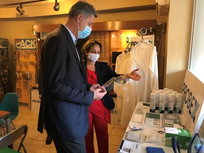 L'alcalde de Badalona visita l'empresa Probex que destaca per la fabricació de productes de protecció personal davant la Covid19