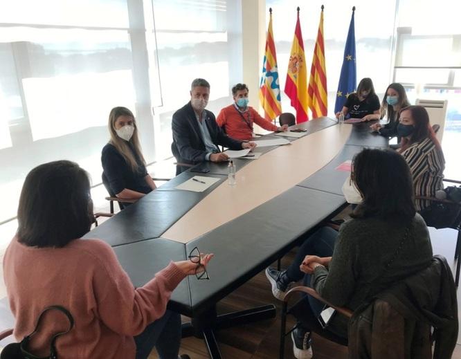 L'alcalde de Badalona dona suport als centres d'estètica de la ciutat després de l'obligatorietat de tancar a causa del risc de contagi de la Covid-19