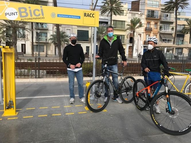 Entra en servei al passeig Marítim el primer Punt Bici del Barcelonès Nord fruit de l'acord de l'Ajuntament de Badalona i el RACC