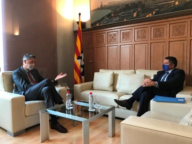 El conseller d'Interior i l'alcalde de Badalona assenyalen la multireincidència i l'ocupació delinqüencial d'habitatges com dos dels principals problemes que generen inseguretat
