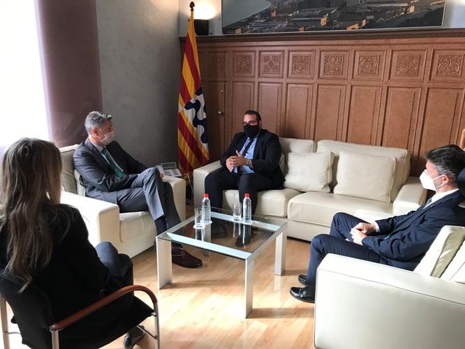 Els alcaldes de Badalona i de Mataró intercanvien idees i experiències per a fer front als reptes de les dues ciutats