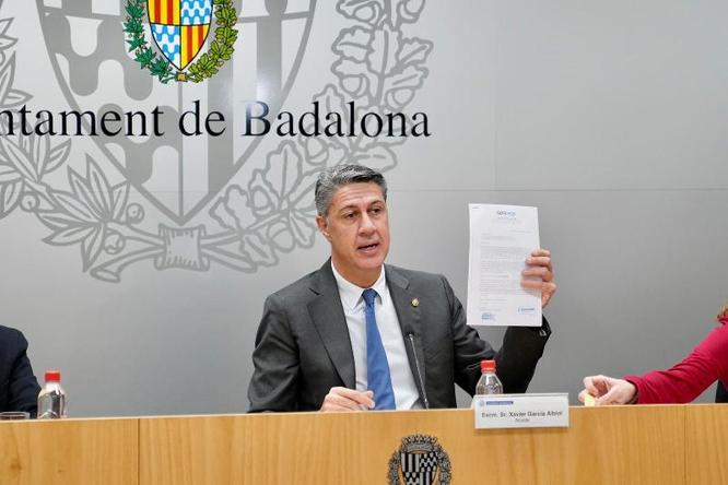 L'alcalde de Badalona demana que els ajuntaments disposin de més eines per evitar situacions com les viscudes a la nau del carrer de Guifré