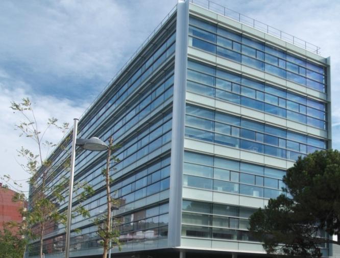 L'Ajuntament de Badalona ofereix informació a la ciutadania afectada pel tancament de les clíniques DENTIX