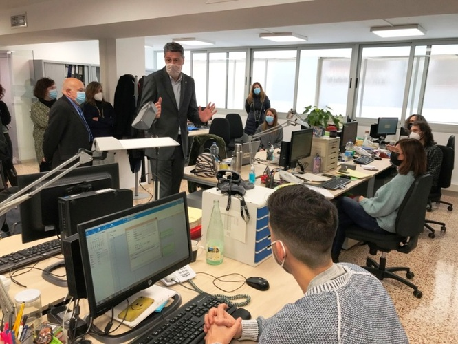 Reobre després de sis anys l'oficina del Servei Bàsic d'Atenció Social per atendre les necessitats del barri de Llefià de Badalona