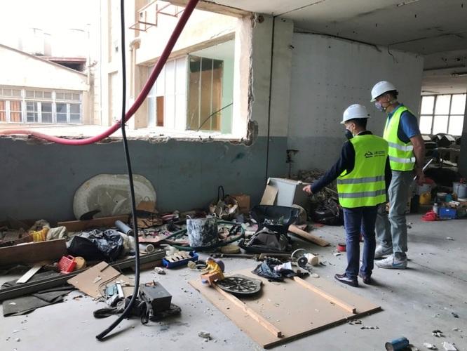Comencen els treballs d'enderrocament de l'antiga fàbrica Mobba de Badalona
