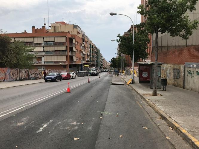 El carrer de Coll i Pujol s'ha tallat al trànsit en direcció mar fins al 30 de juliol a causa d'uns treballs de millora en el paviment