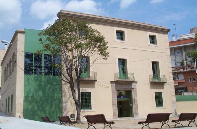L'Ajuntament de Badalona impulsa un programa per contractar deu joves en pràctiques durant sis mesos