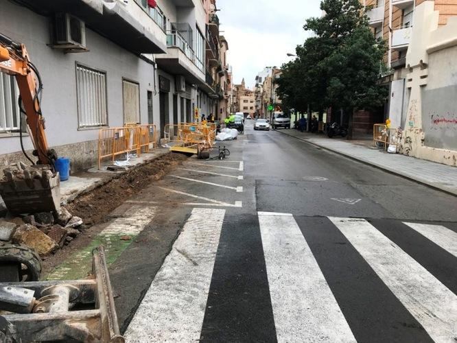 L'Ajuntament de Badalona inicia les obres de millora del ferm de la calçada del carrer d'Enric Borràs
