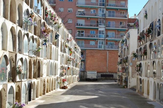 Horari especial dels cementiris de Badalona durant la diada de Tots Sants