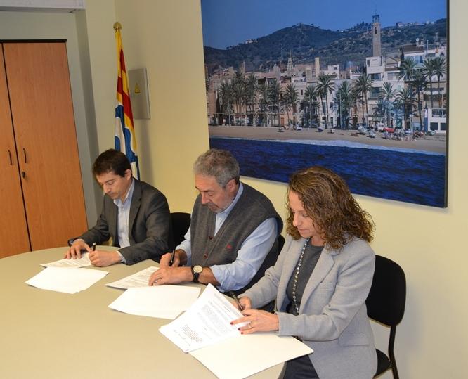 L'Ajuntament de Badalona signa un conveni de col·laboració amb Aigües de Barcelona per a la millora dels sistemes d'informació amb els clients