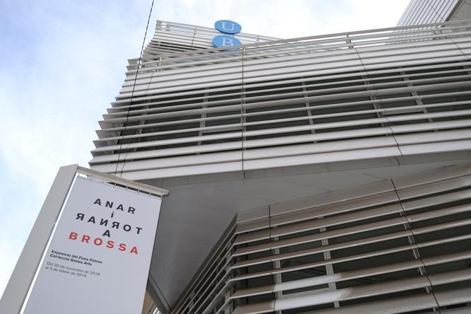 """La sala Josep Uclés del Centre Cultural El Carme de Badalona acull l'exposició """"Anar i tornar a Brossa"""""""