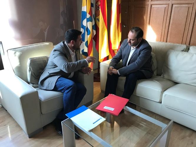 L'Ajuntament de Badalona i ADIF signaran un acord a principi del 2019 per millorar i mantenir els tancaments de les vies del tren