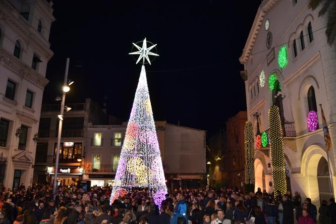 La festa Hola Nadal! tanca amb èxit la seva primera edició amb diversos actes multitudinaris