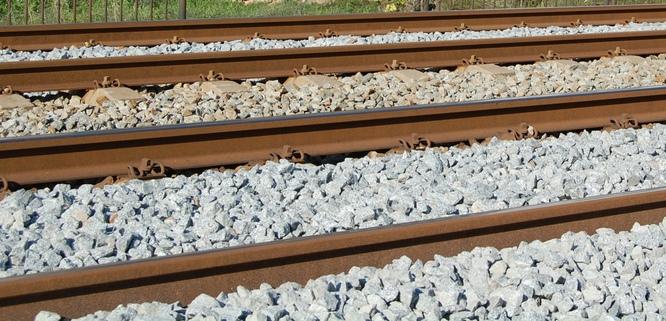 Adif i l'Ajuntament de Badalona signen un conveni per a la millora de la seguretat del ferrocarril