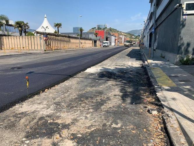 Dissabte a la tarda s'obrirà al trànsit del carrer de Ramon Martí i Alsina de Badalona després de les obres de reparació de la calçada