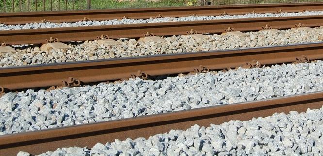 Adif anuncia la licitació de les obres d'instal·lació i millora del tancament de les vies del ferrocarril a Badalona