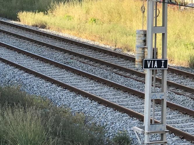 Adif adjudica la instal·lació de nous tancaments de les vies de ferrocarril al seu pas per Badalona