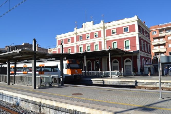 Aquest cap de setmana s'interromp la circulació de trens entre les estacions de Badalona i el Clot-Aragó per les obres que es fan a la Sagrera
