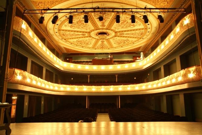 El pròxim 25 de setembre arriba la nova temporada dels teatres municipals de Badalona carregada d'espectacles multidisciplinars