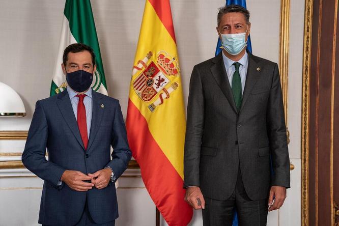 L'alcalde Xavier Garcia Albiol es reuneix amb el president de la Junta d'Andalusia per reforçar les relacions institucionals entre l'Ajuntament de Badalona i el govern andalús