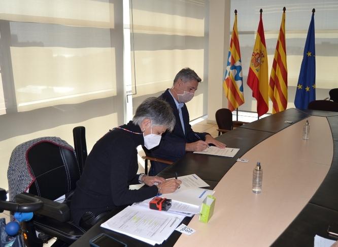 L'Ajuntament i Deixem de Ser Invisible signen un conveni de col·laboració per assegurar l'accessibilitat en els projectes urbanístics de la ciutat