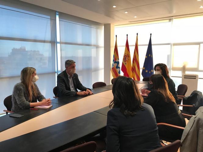 L'alcalde de Badalona proposarà a la Generalitat que els centres d'estètica puguin tornar a obrir realitzant només aquells serveis que no impliquin que el client es retiri la mascareta