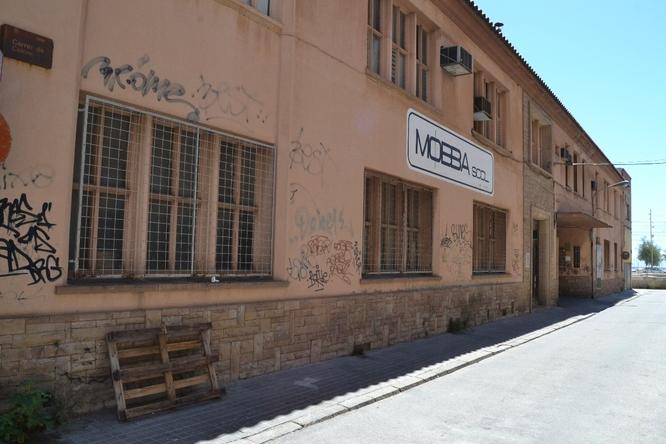 L'Ajuntament estudia la construcció d'un aparcament soterrani al solar de la fàbrica Mobba de Badalona