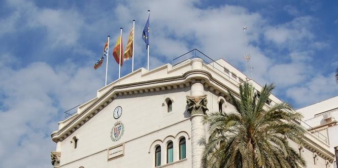 Un jutge condemna per segona vegada l'Ajuntament de Badalona a pagar i indemnitzar l'empresa de neteja per la decisió del govern de la ciutat en el mandat 2015-2018 de no pagar la revisió i actualització del preu del servei