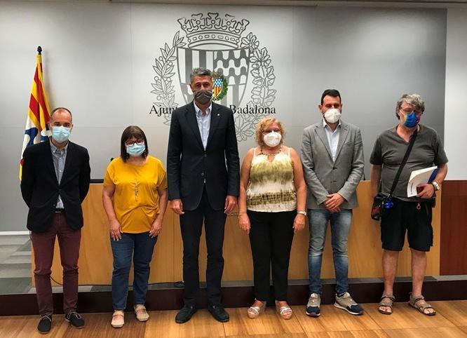 Ajuntament de Badalona i sindicats acorden mantenir i vetllar pel manteniment de les condicions laborals dels treballadors i treballadores del servei de neteja
